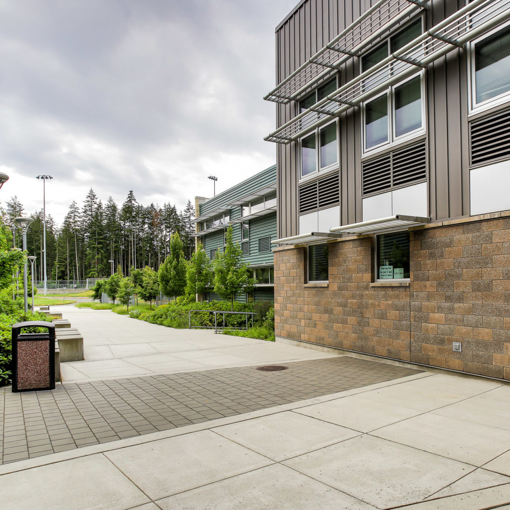 Lynnwood High School Exterior